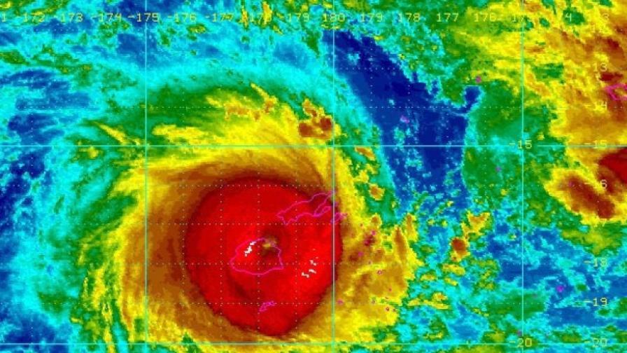 Най-малко 5 души са загинали при циклона във Фиджи