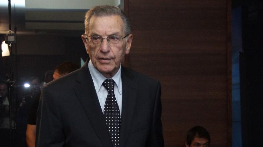 Почина Йордан Соколов