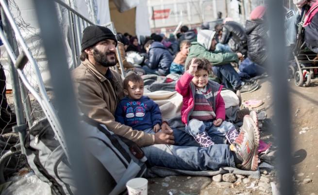България изпрати помощи за мигрантите в Идомени