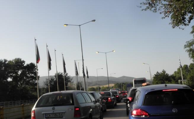 Километрични колони по граничните пунктове