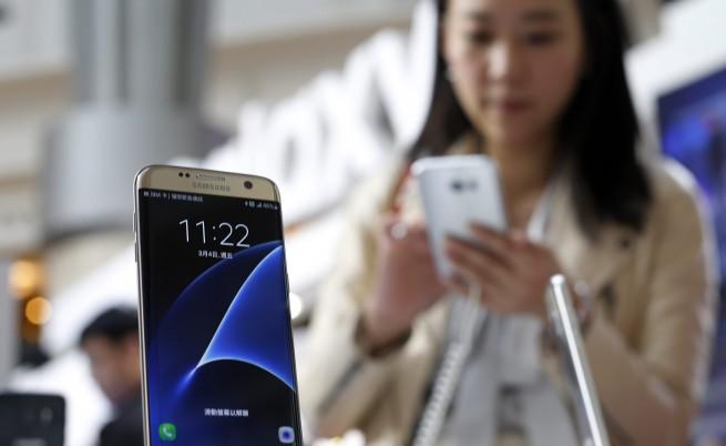 Пазарът на смартфони най-зле от 5 години насам