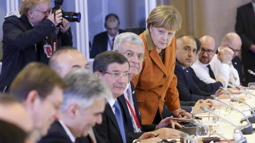 Турция търгува членство в ЕС срещу бежанците
