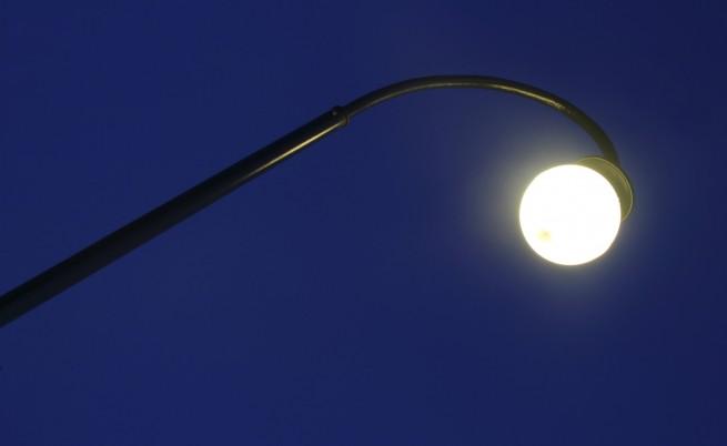 Врагът на нашия сън е... уличното осветление