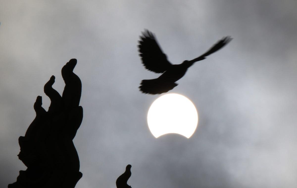 Частично слънчево затъмнение в Камбоджа