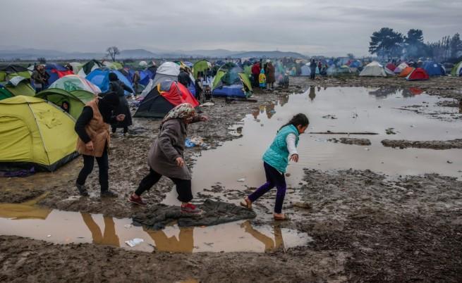 Унгария обяви извънредно положение заради мигрантите
