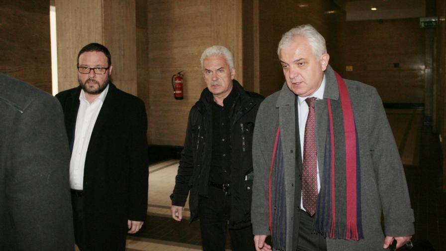 Сидеров отърва затвора по две от три обвинения