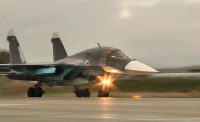 Руските военни самолети напускат Сирия (видео)