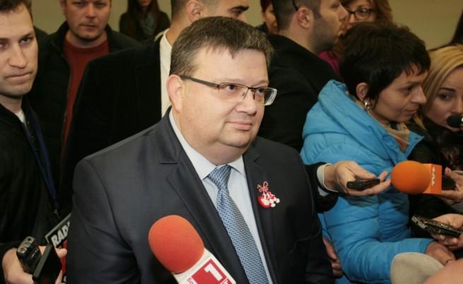 Цацаров: Част от българските медии са отровени