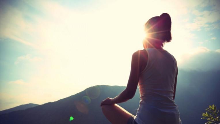 медитация жена релакс планина