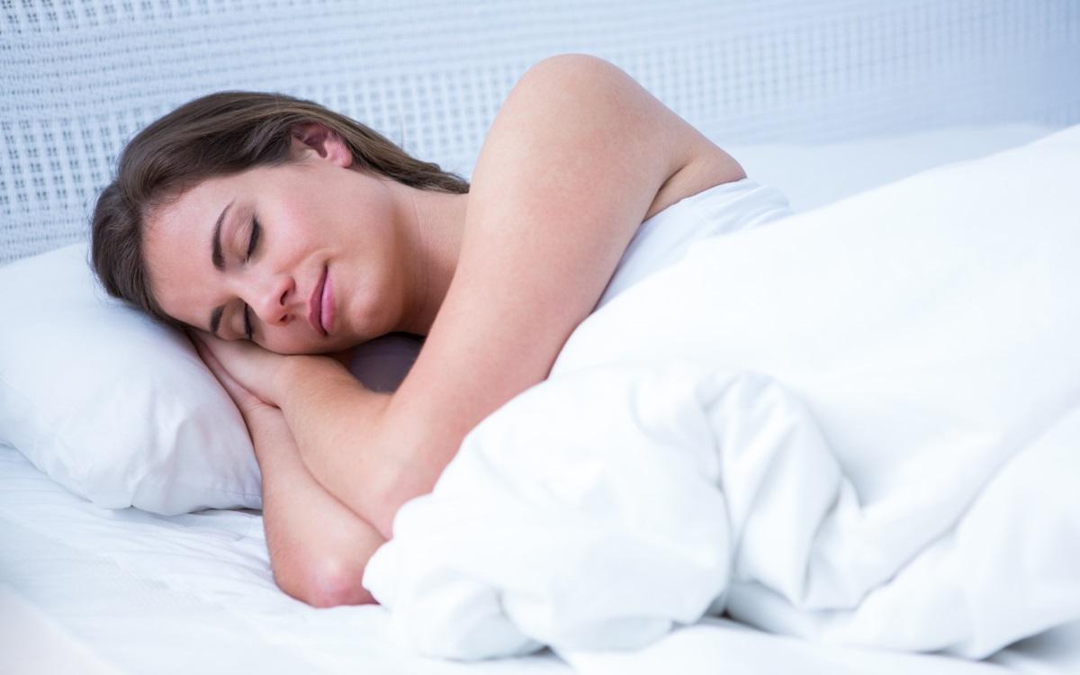 Спете<br /> <br /> Не се чувствайте виновни за това, че сте поспали няколко часа в повече. Сънят подобрява настроението ви, подобрява паметта ви, изостря концентрацията и може да ви помогне да поддържате здравословно тегло. Ползите от съня за здравето ви подобряват качеството на живота ви.