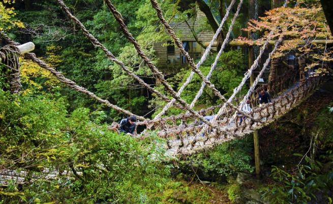 Древният мост от лозя на самураите