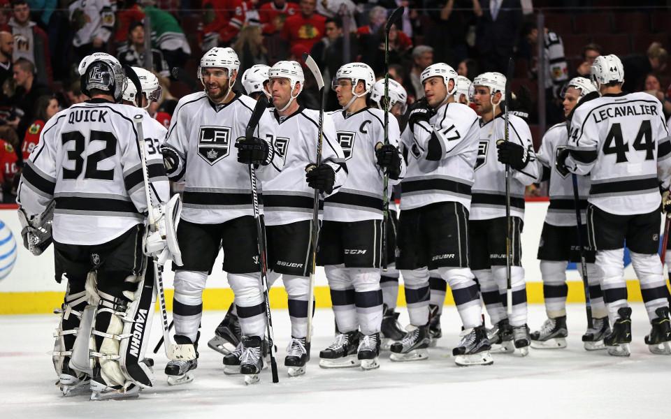 Играчите на ЛА Кингс със сбирка след 4-ото поредно поражение в НХЛ