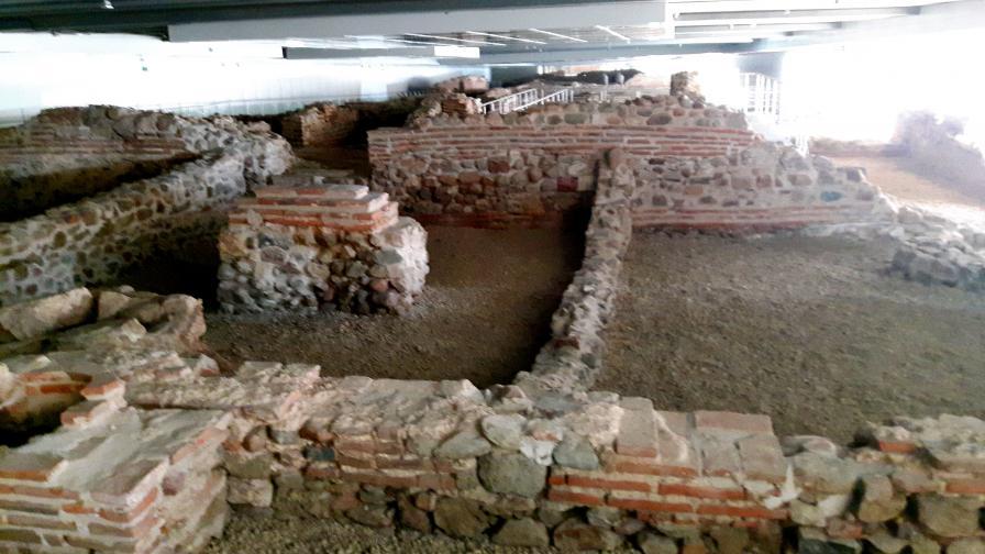 археология сердика ларго