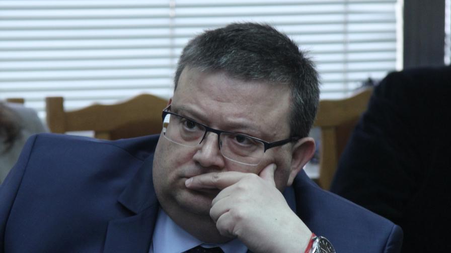 Цацаров: Има данни за намесата на ген. Решетников в много неща