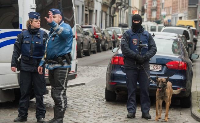 От ноември насам в брюкселския квартал бяха проведени редица антитерористични акции