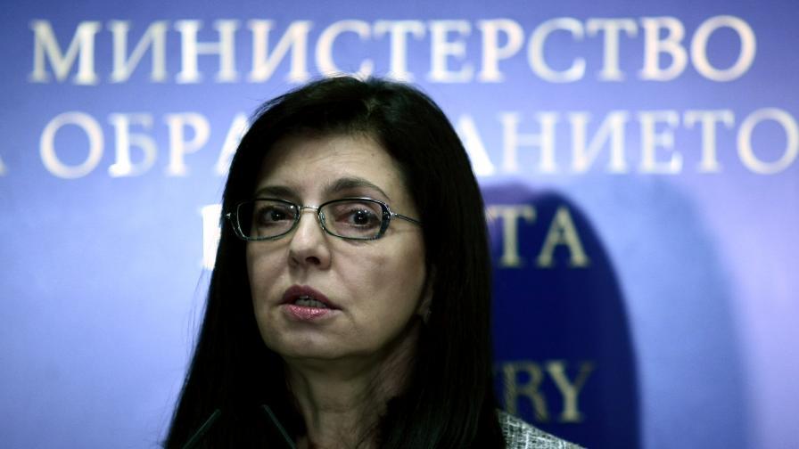 Ще има проверка на имотите на Пеевски и Първанов, заяви Кунева