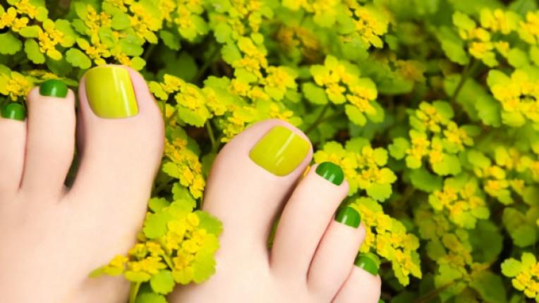 педикюр маникюр зелено пролет