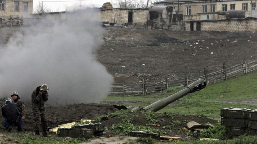 Подкрепен от Турция Азербайджан започва контранастъпление