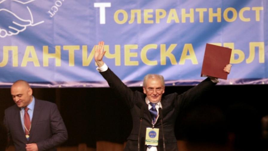 Лютви Местан: ДОСТ е откровено натовска и европейска партия