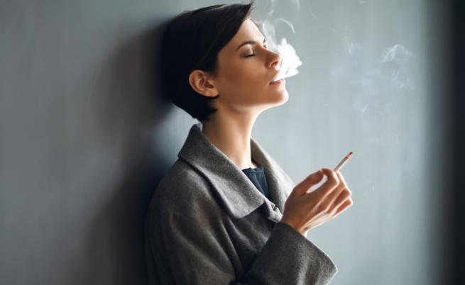 <p><strong>Пушите</strong></p>  <p>Знаете, че пушенето е основен фактор за рака на белите дробове и е отговорен за 80% от смъртните случаи от тази болест. Освен това пушенето повишава риска риска от сърдечни удари, а токсините в цигарите увреждат и отслабват кръвоносните съдове. Побързайте да се откажете от този вреден навик.</p>