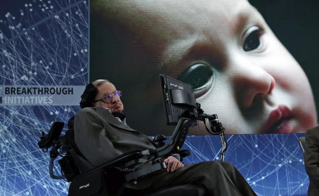 Хокинг измисли как човечеството да достигне звездите