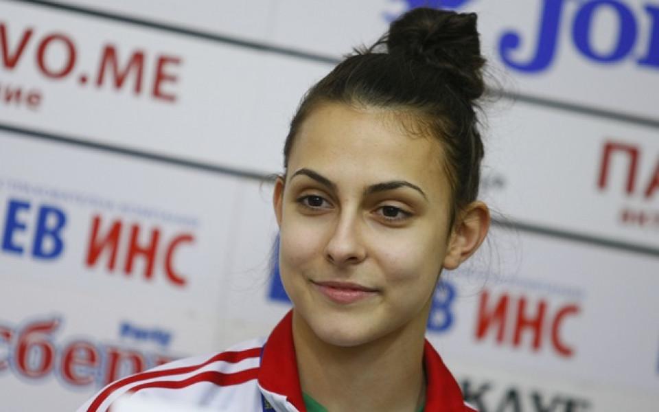 Мария Мицова с победи на сингъл и на смесени двойки в Словакия