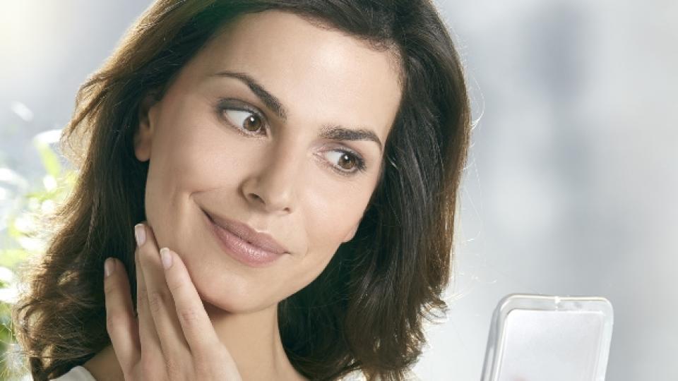 Качествена фотозащита за мазна и акнеична кожа