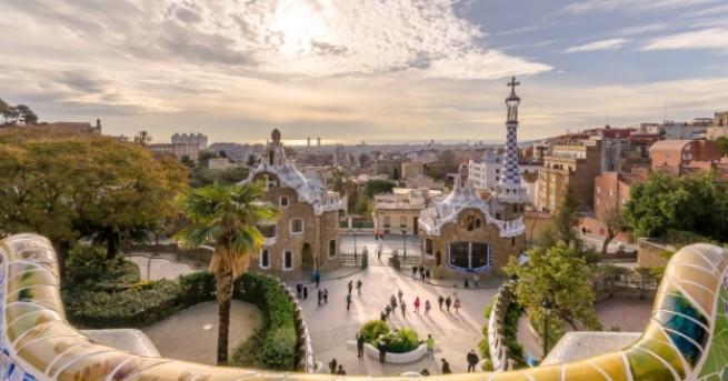 Барселона е страхотен град и чудесна туристическа дестинация, която си