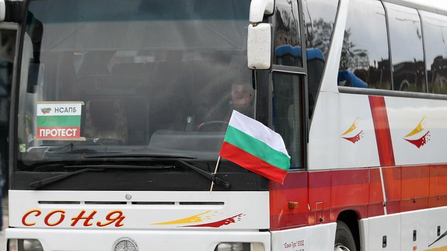 <p>Желязков обясни как ще бъдат подпомогнати автобусните превозвачи</p>