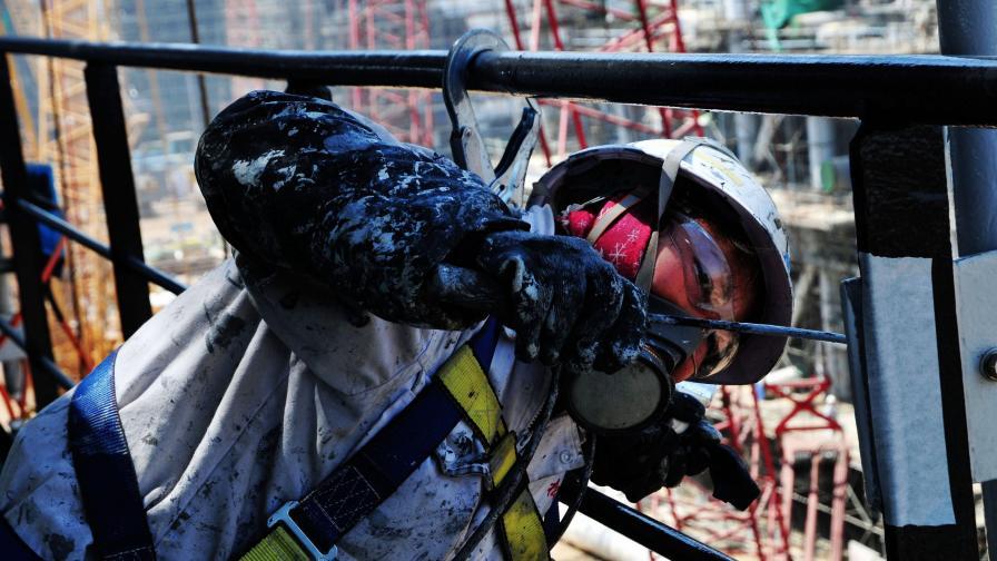 Скок на цените на петрола, пазарът обръща посоката