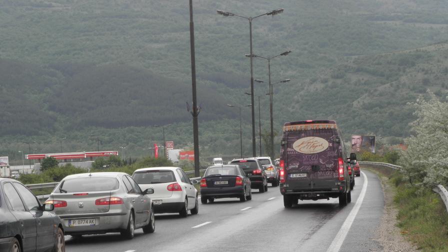 След празниците: 50 000 влизат в София, жертва на пътя