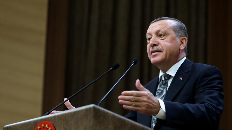 Ердоган призова Турция и Аллах да помогнат на Наим Сюлейманоглу