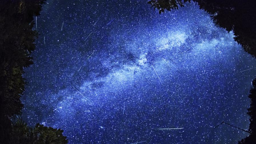 """Наближава пикът на метеорния поток """"Персеиди"""""""