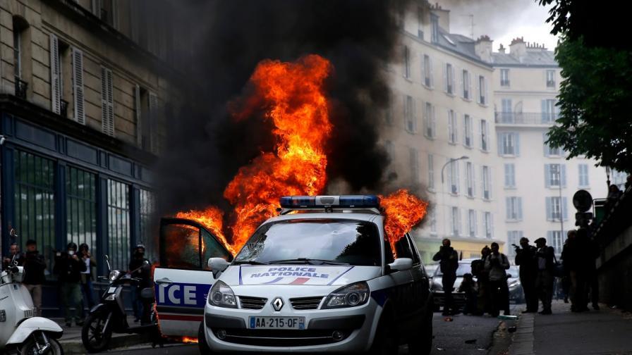 Подпаленият полицейски автомобил