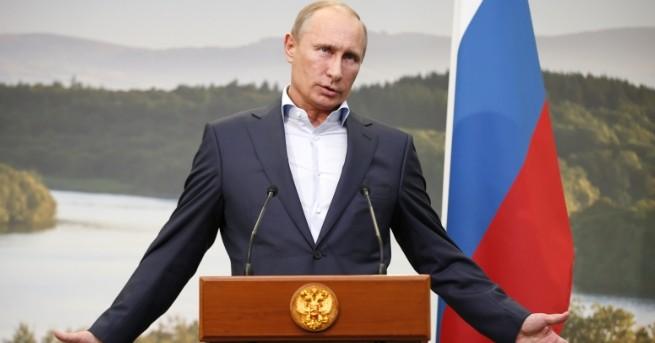 Руският президент Владимир Путин сравни комунизма с християнството, а поставянето