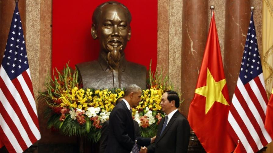 След 50 години, Обама премахва военното ембарго срещу Виетнам