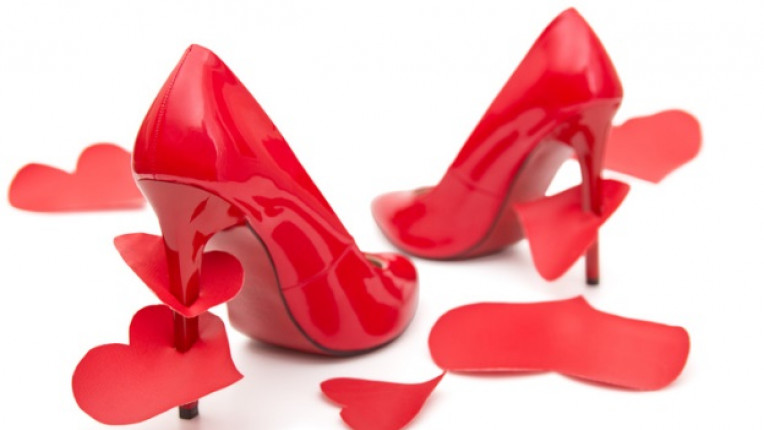 токчета обувки сърце любов
