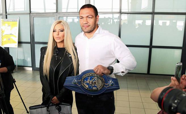 Андреа се появи в зашеметяваща форма на посрещането на любимия си  шампиона по бокс Кубрат Пулев, след победата му над Дерек Чисора