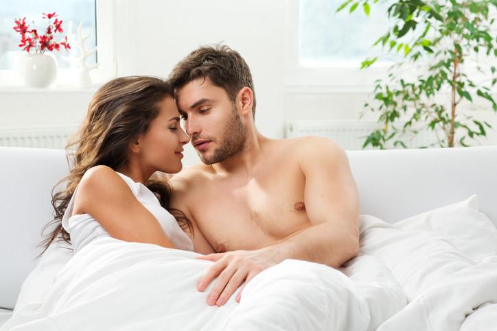 Романтична изневяра: Това е бягство от рутината и уседналостта на семейния живот чрез нови преживявания, емоции и фантазии. Типичен пример за романтична изневяра са забежките на почивка.