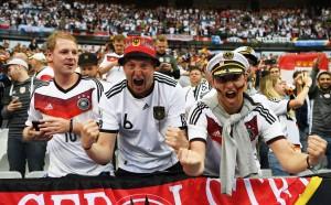 Германия съветва: Ходете на Мондиала без смартфона си