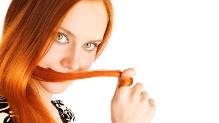 червена коса ижава коса жена