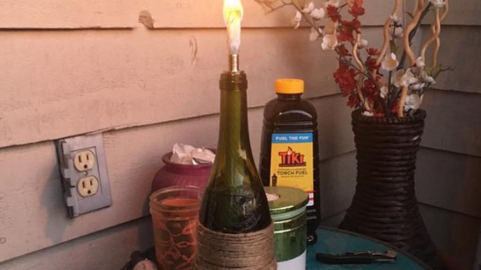 Как да: градинска факла от винена бутилка, която гони комарите