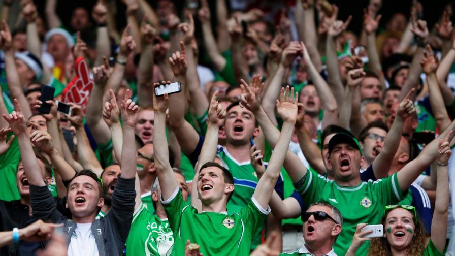 Фенове на Ирландия