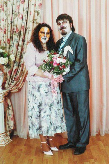 Артистични и в сватбения си ден