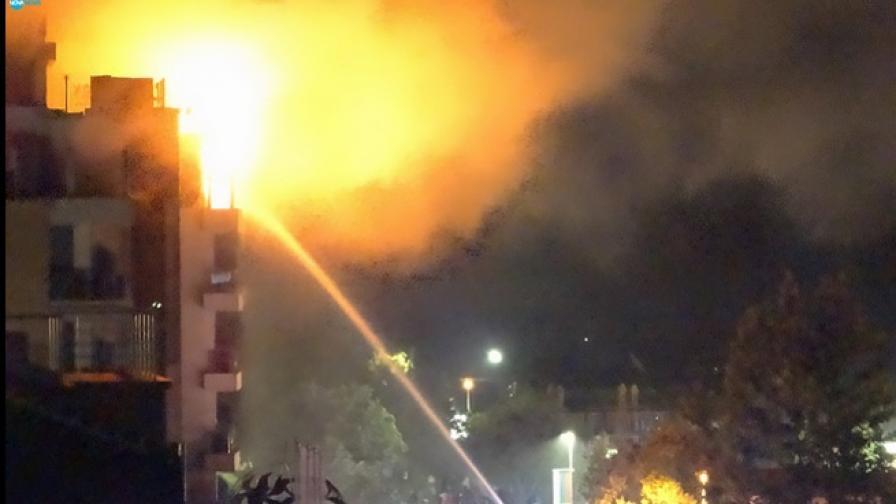 Евакуираха 70 украински деца от горящ хотел в Китен