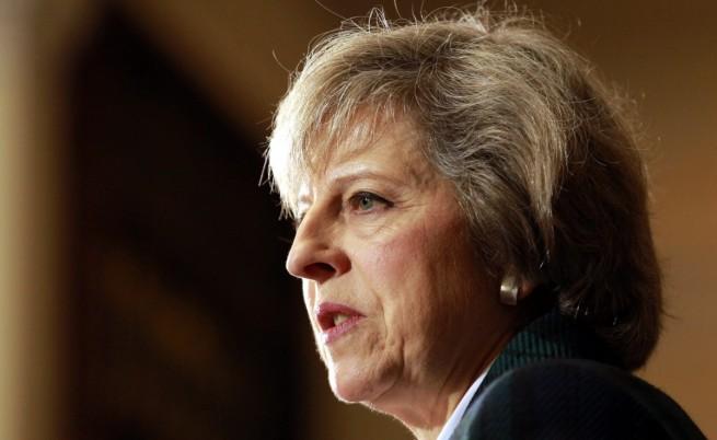 Лондон гони руски дипломати, замразява контакти с Москва