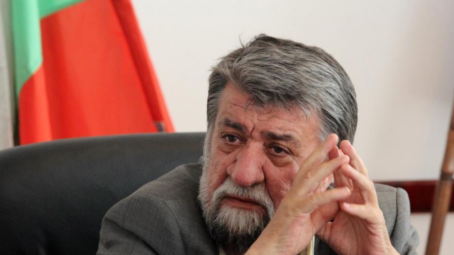 Скандалът около Вежди Рашидов се задълбочава