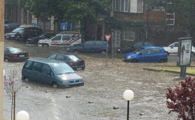 При наводнение не трябва да пием вода от чешмата