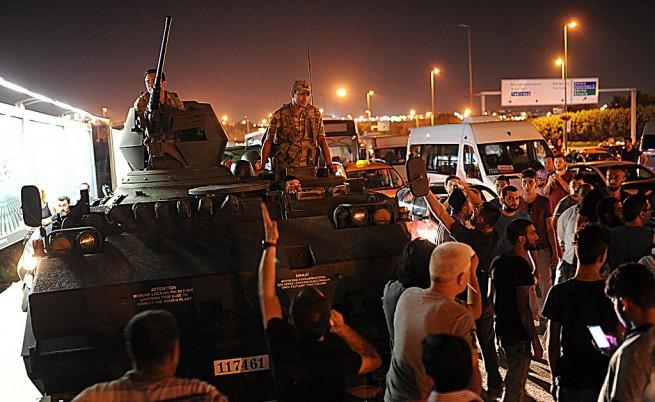 Турция пуска на свобода 38 000 затворници
