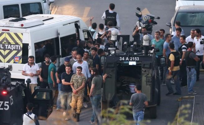 Арестуван е военният съветник на президента Ердоган